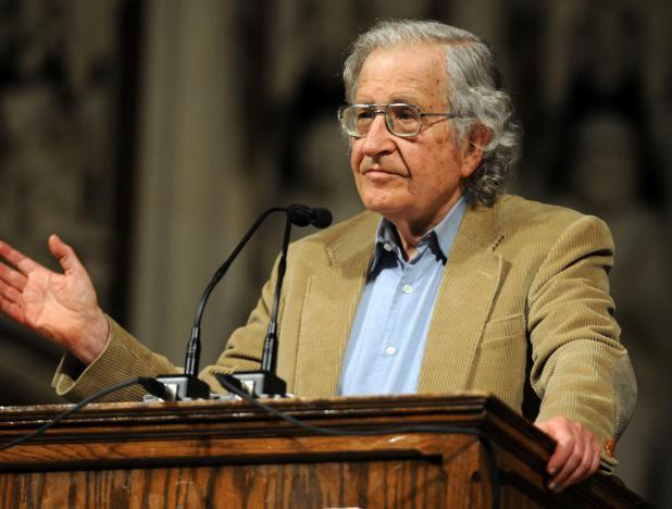 Chomsky: EE. UU. recurre al chantajismo para alcanzar sus objetivos