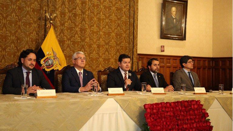 Ecuador presenta notas de protesta a Bolivia y Venezuela por declaraciones sobre Correa