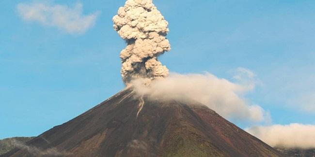 Ecuador alerta ante una posible erupción del volcán Reventador (+VIDEO)