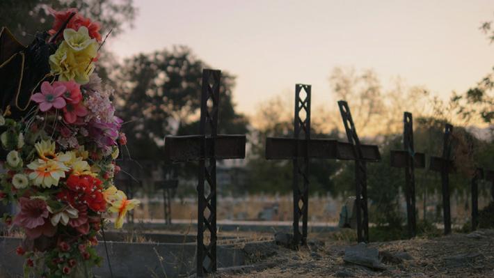 """""""El Patio"""": El documental que aborda las desconocidas historias de los sepultureros del Patio 29"""
