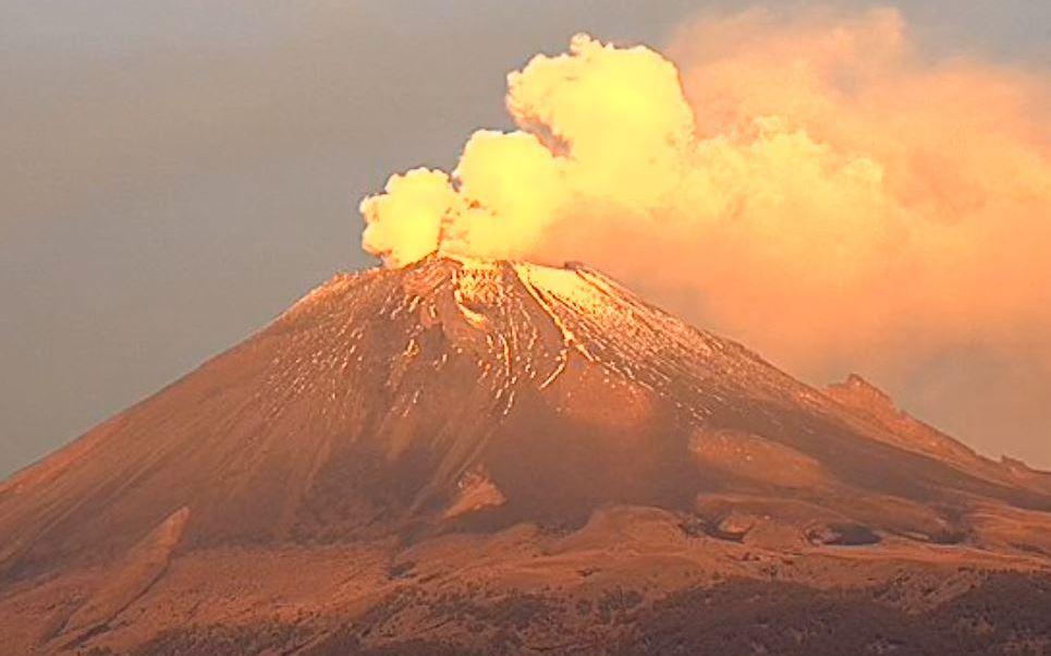 Prohibido acercarse a 12 kilómetros a la redonda del volcán Popocatépetl (+VIDEO)