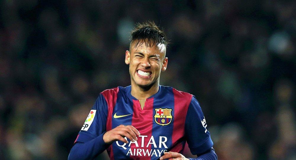 Neymar llega a Barcelona para firmar un anuncio publicitario