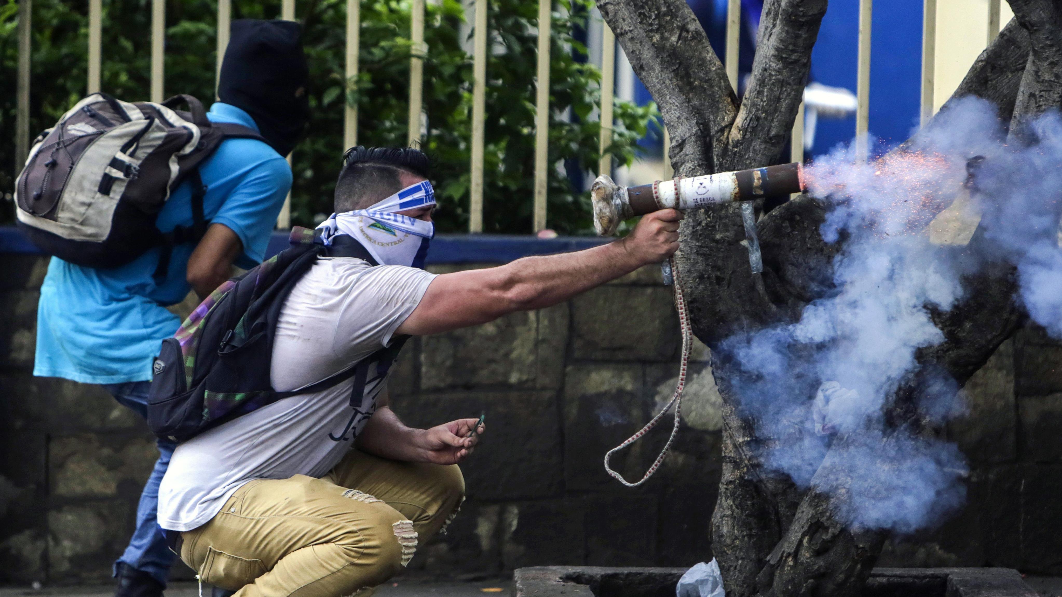 Daniel Ortega compara prácticas violentas de la oposición con el ISIS