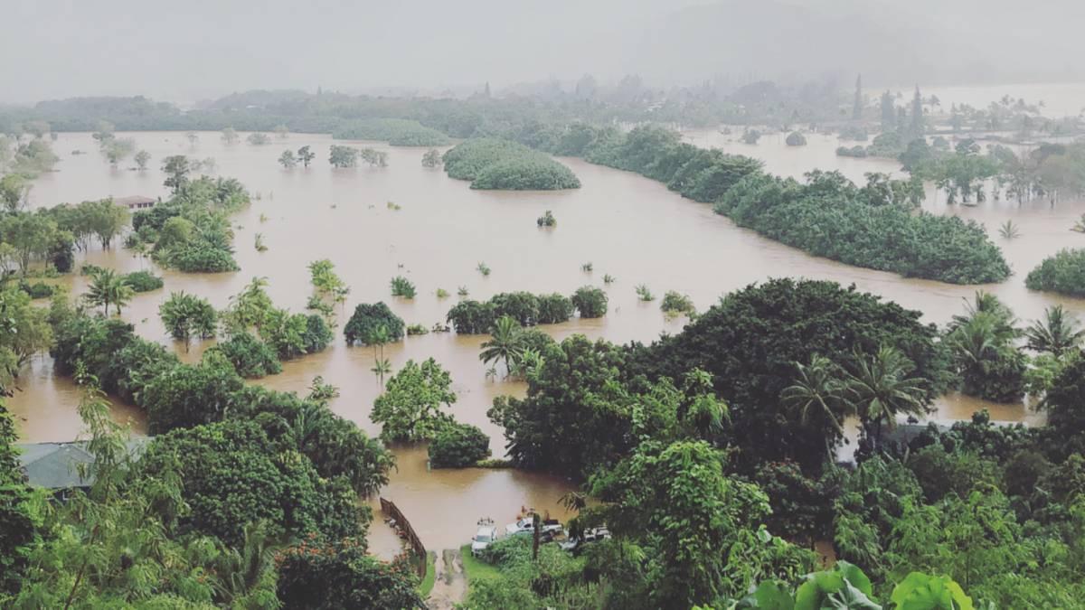 (Video) Huracán Lane se acerca a Hawái desatando fuertes inundaciones