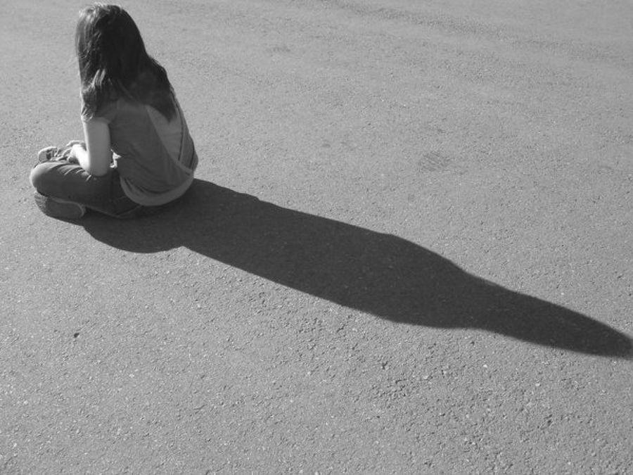 Una pareja abandona a niña adoptada al descubrir que era mayor de lo esperado