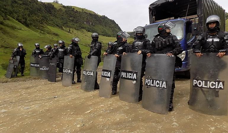 Enfrentamiento entre indígenas y policías dejan un herido en Caloto