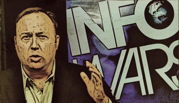 Facebook y Apple eliminan vídeos de Alex Jones por incitar a la violencia y la discriminación