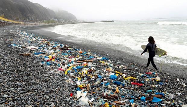 Perú combatirá el uso desmedido de bolsas plásticas y productos descartables