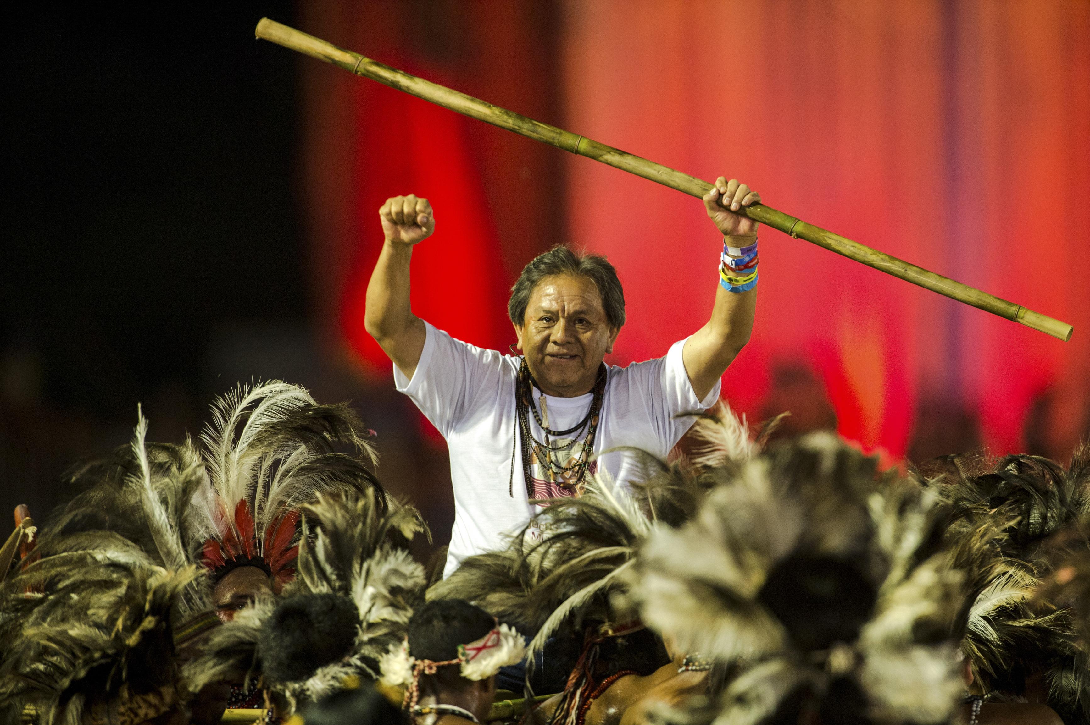 75 indígenas brasileños buscan un curul legislativo