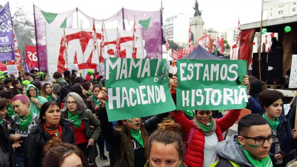 Día decisivo: Senado argentino debate sobre el aborto legal con bloques divididos