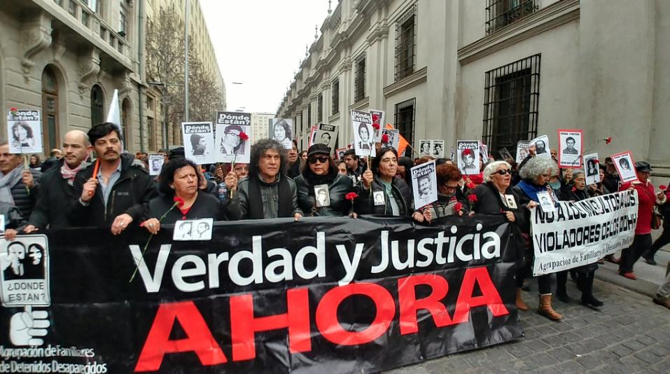 """Marcha Nº 100 por verdad y justicia: """"Con Piñera se instaló el negacionismo en Chile"""""""