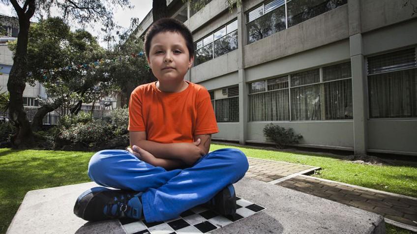 Tiene 12 años y estudiará licenciatura en Física Biomédica en la UNAM