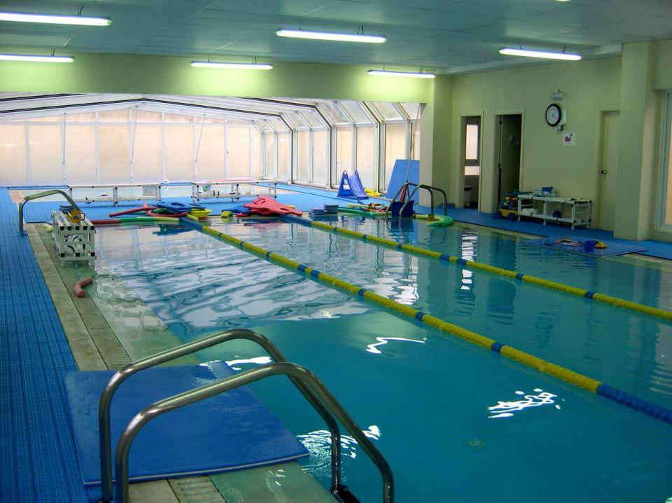 (Video) ¡Indignante! Niño de 3 años se ahoga en una clase de natación y los instructores no se percatan