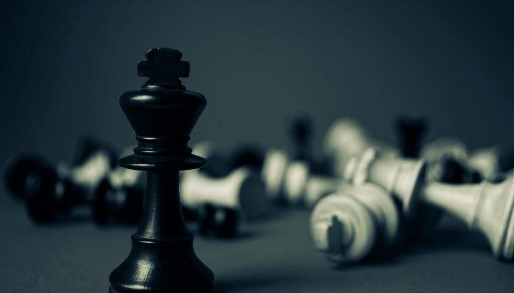 ¿Otra jugada de ajedrez de Lenin Moreno? Destituyen a los jueces constitucionales en Ecuador