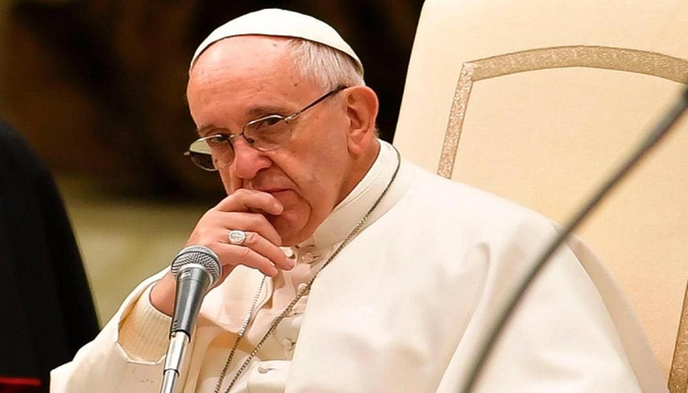 """Papa Francisco está """"sereno"""" a pesar de las denuncias, señala el Vaticano"""
