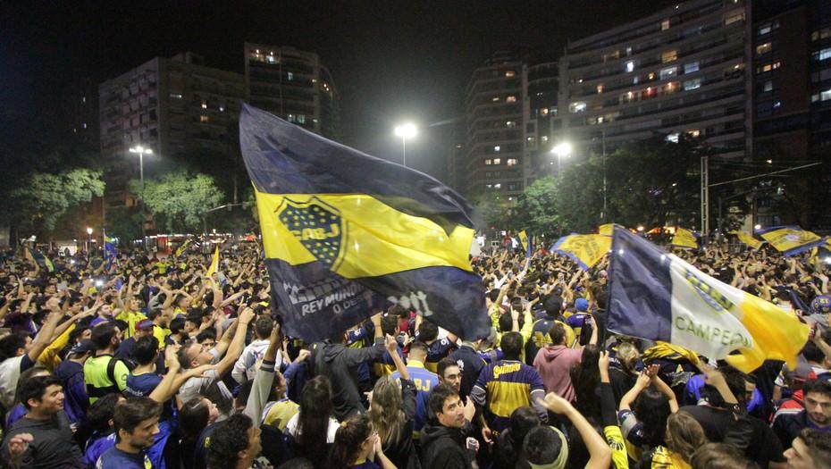 Fanáticos argentinos les importa más resultados de sus clubes que de la selección