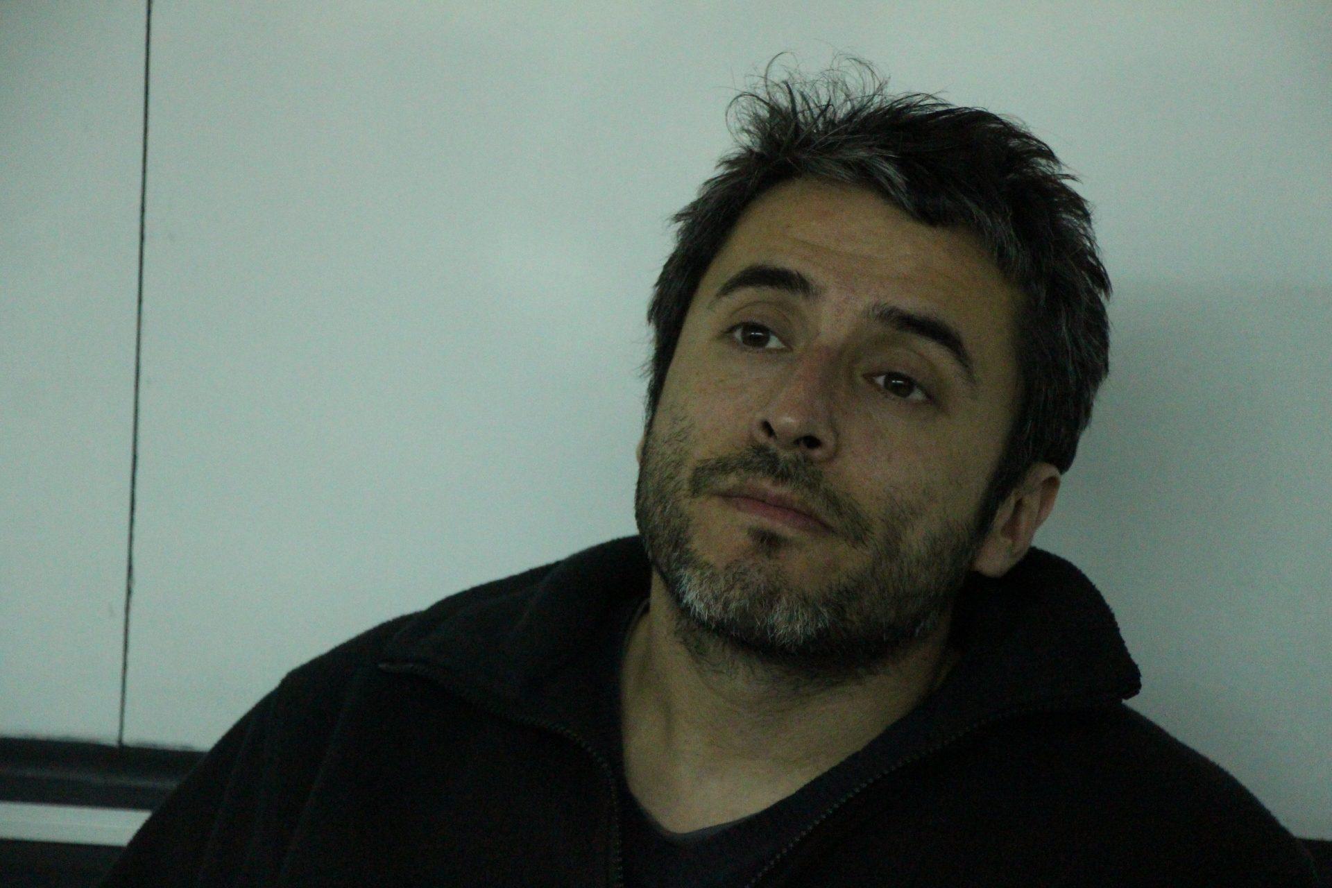 Periodista Javier Rebolledo ante inicio de juicio en su contra: «Aquí hay un amedrentamiento, está en juego la libertad de prensa»