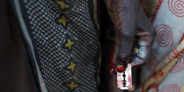 «Tienen un cuchillo y una cuchilla de afeitar y cortan»: El relato de una víctima de mutilación genital femenina
