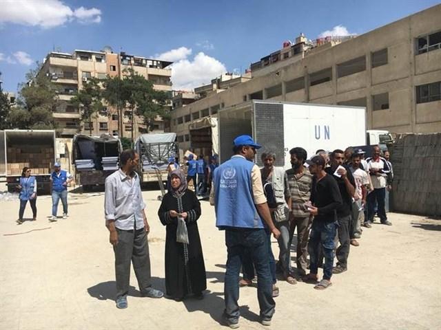 Palestinos rechazan recortes de servicios de la UNRWA