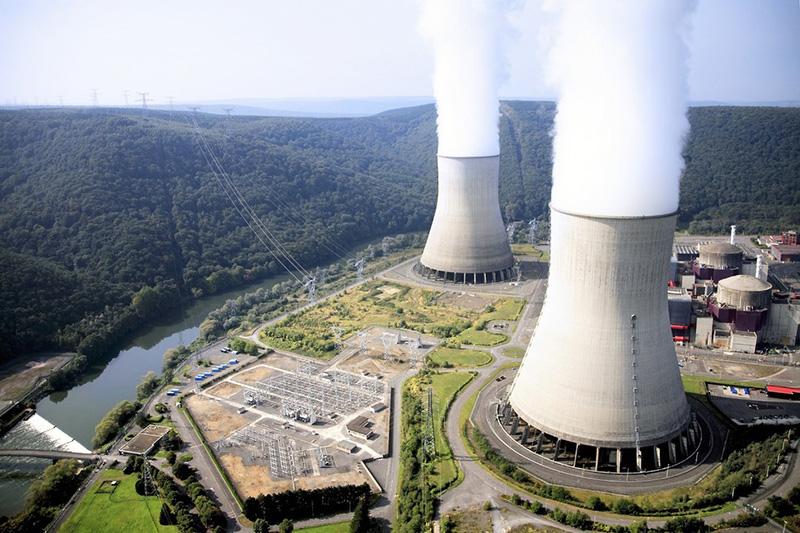 Cerrados cuatro reactores nucleares en Francia por ola de calor
