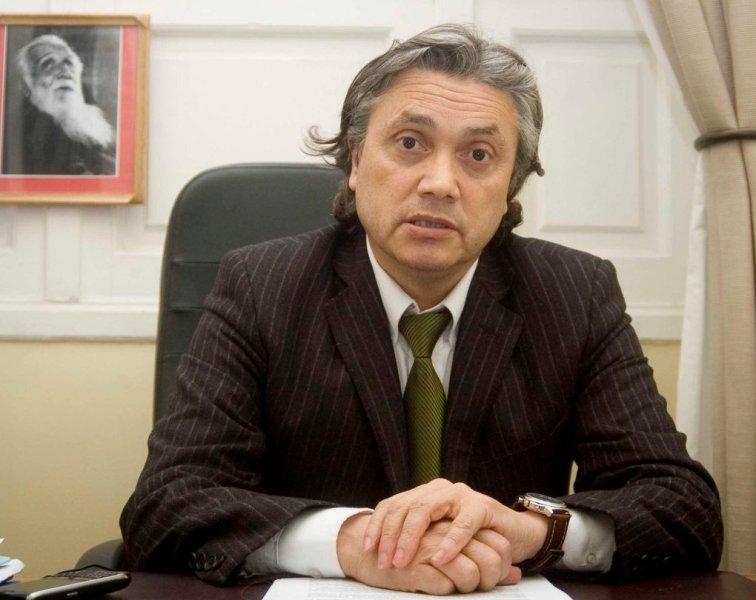"""Senador Navarro: """"Hospital San Juan de Dios podría disponer pabellón para atender a pacientes de Guatita de Delantal"""""""