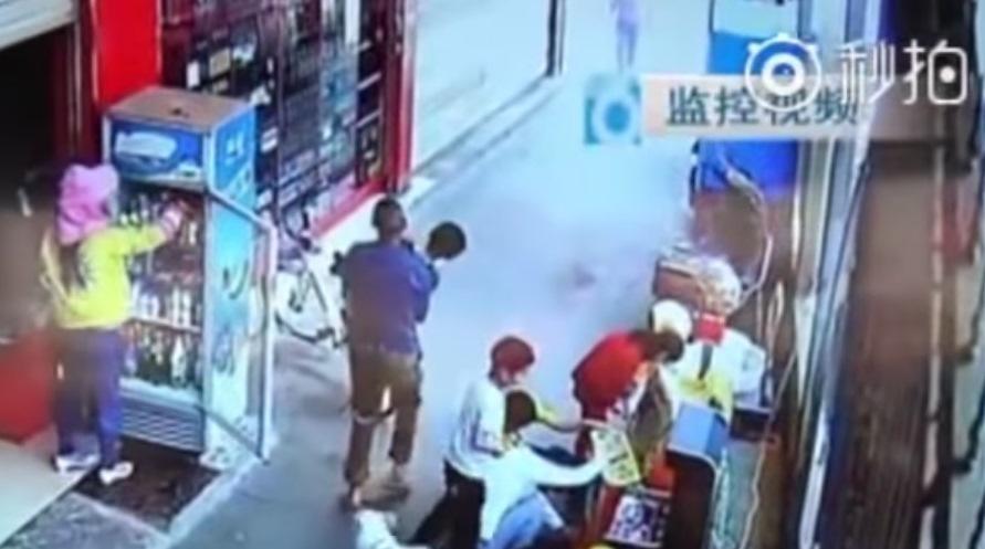 (Video) Secuestran a su hijo muy cerca de él y se percata horas después