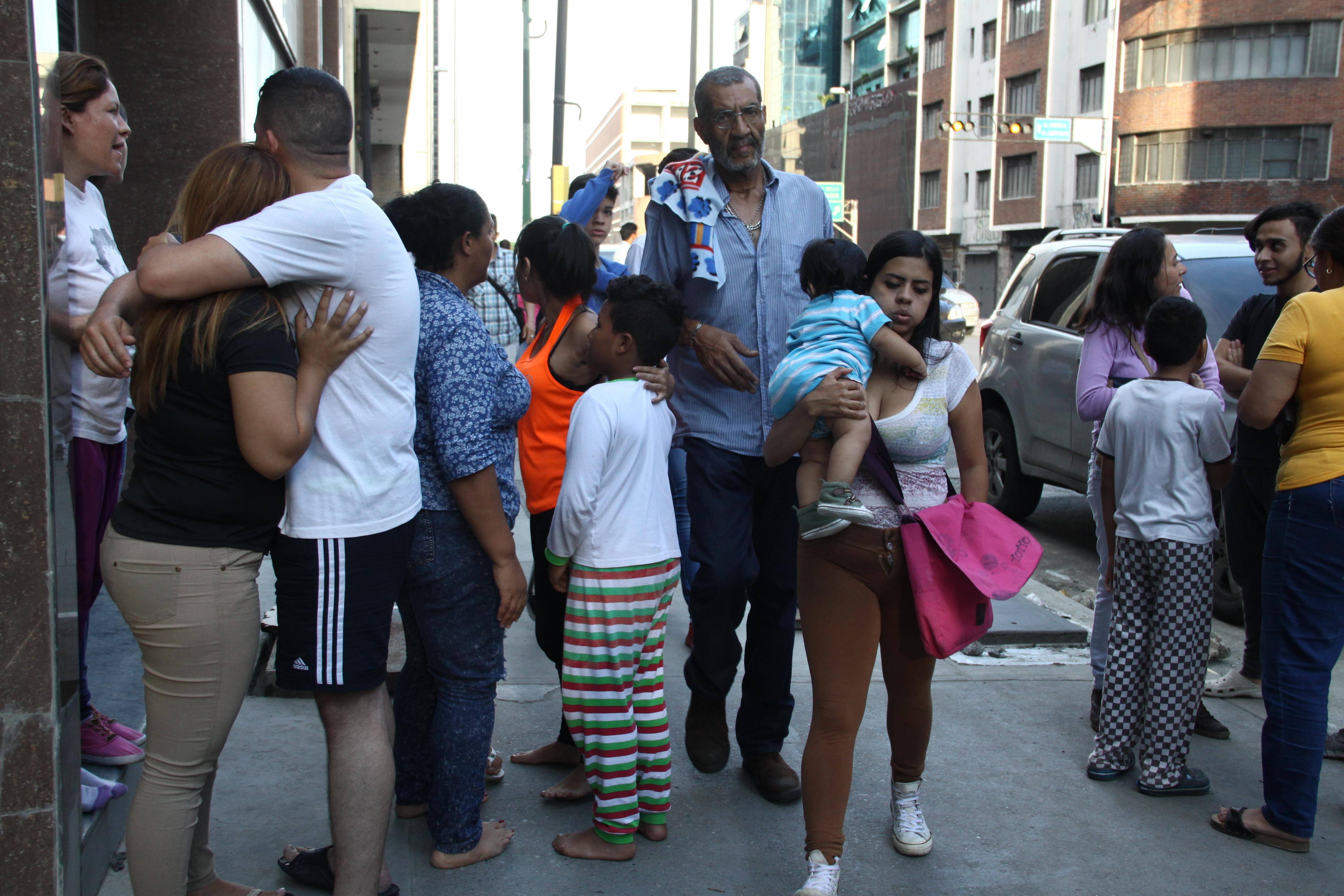 Tras sismo, autoridades venezolanas piden calma ante pronósticos de posibles tsunami o réplicas