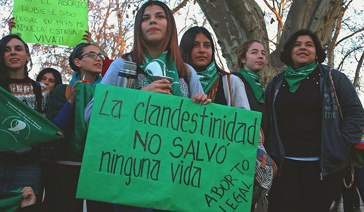 Crearán registro de mujeres fallecidas por abortos clandestinos en Argentina
