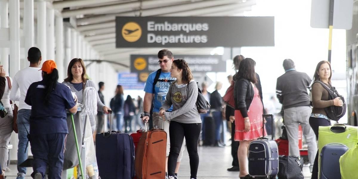 Gobierno propone rebajar tasas de embarque aéreo en un plazo de ocho años