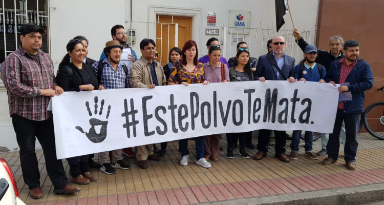 Antofagasta: Organizaciones y parlamentarios piden «más exigencias» para proceso de limpieza de minera de Luksic
