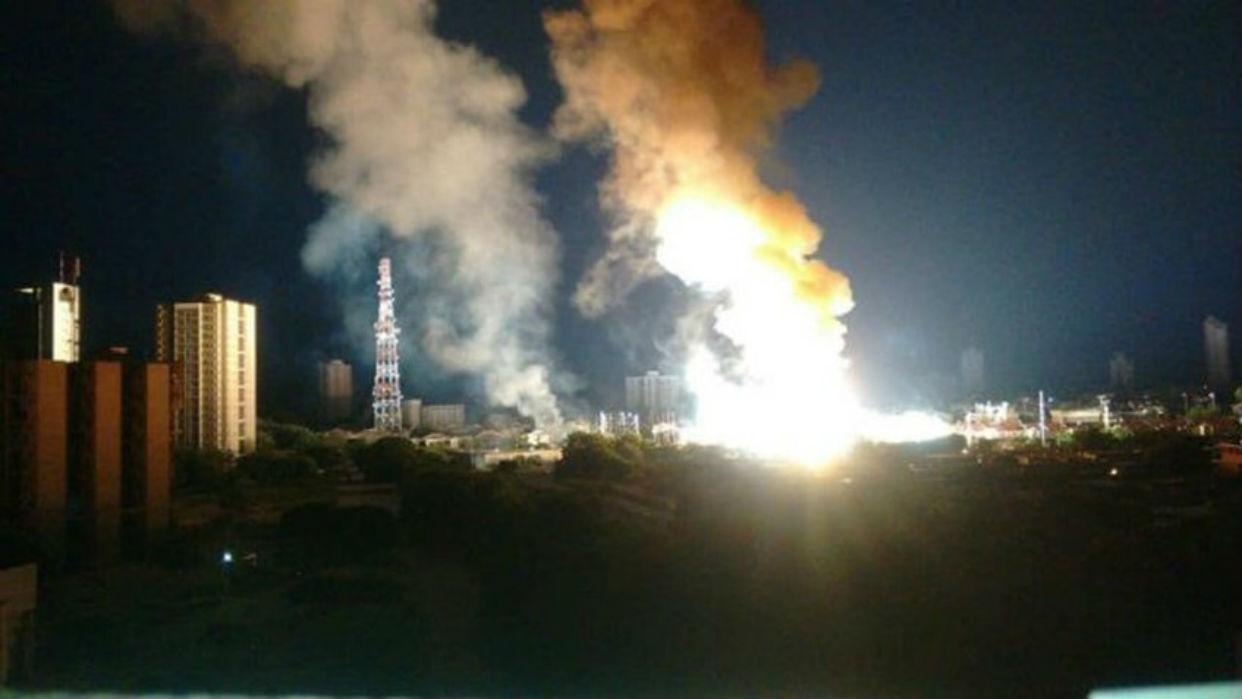 Sin luz quedaron marabinos por explosión simultánea de subestaciones eléctricas