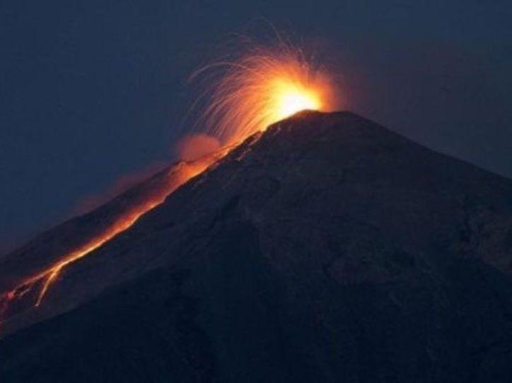 Alerta máxima en Guatemala por nuevas explosiones del volcán de Fuego