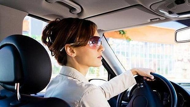 ¡Fascinante! Estudio asegura que las mujeres representan menos peligro al volante que los hombres