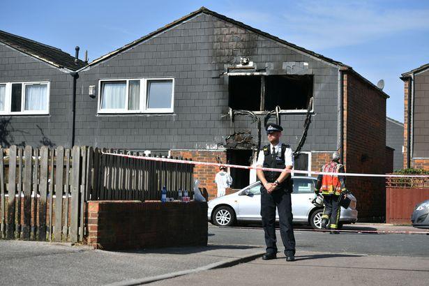 Niño de 7 años muere en un incendio presuntamente premeditado en Londres