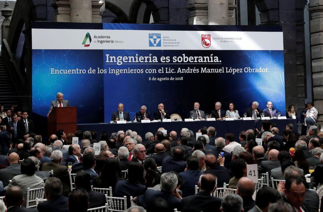 López Obrador presentó 25 programas estratégicos para México