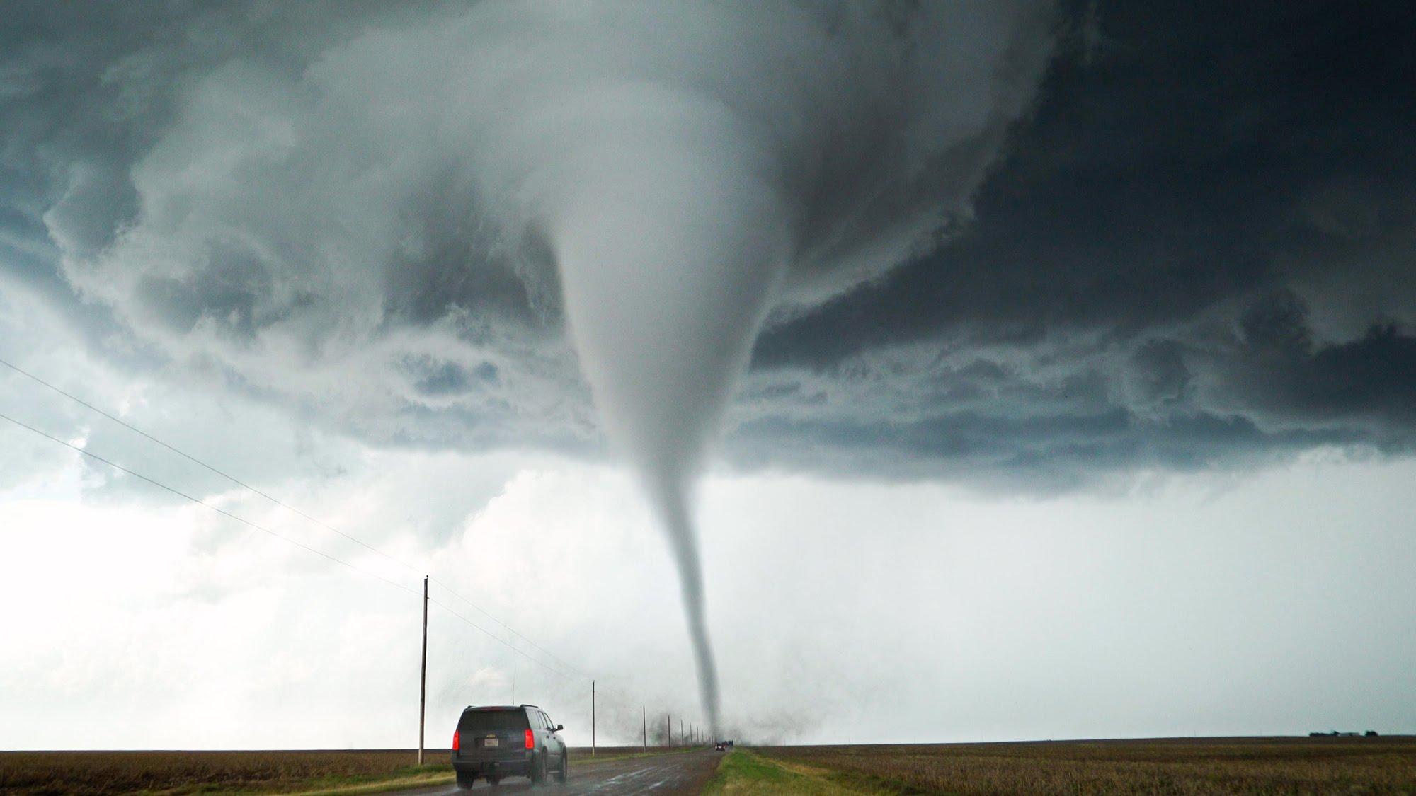 (Video) Tornado impresionante en las costas de México