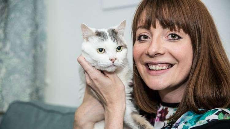 THEO, el gato maravilla que salvó a su dueña de la muerte (+VIDEO)