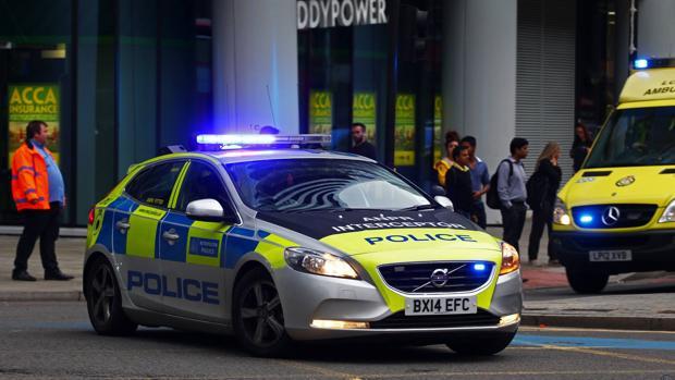 Inglaterra amaneció en alerta por incidente a cuchillo en Barnsley