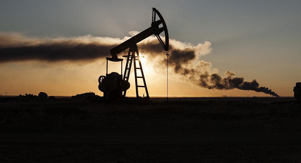Banco de Rusia eleva pronóstico del precio del petróleo para 2018-2020