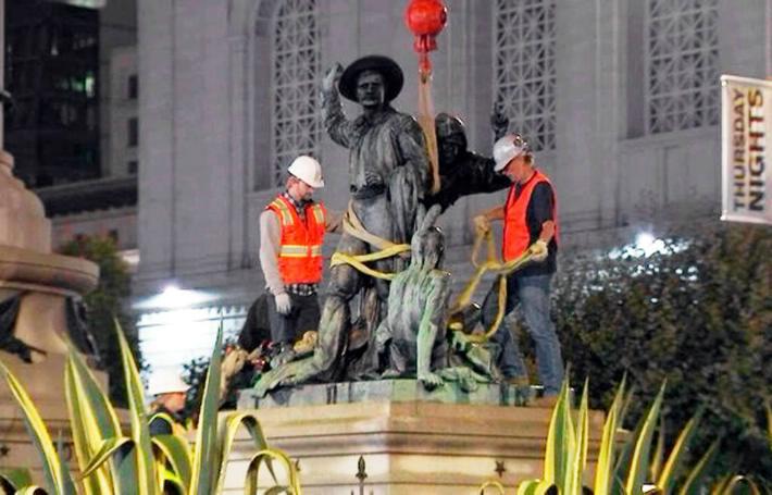 (Video) Júbilo indígena por la remoción de una estatua racista en San Francisco
