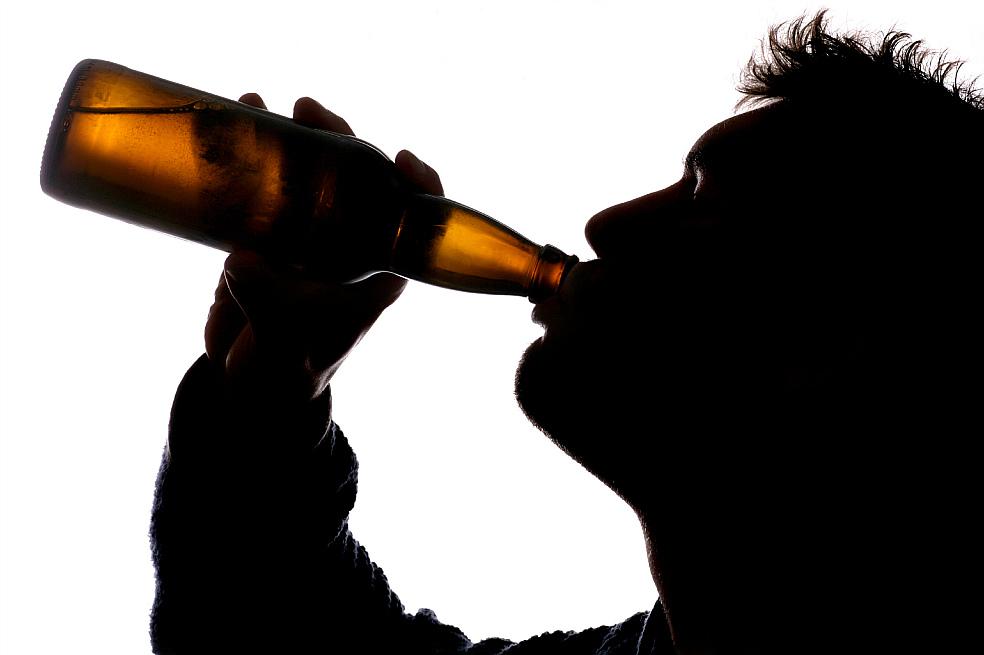 El consumo de alcohol es responsable de una de cada 20 muertes en el mundo
