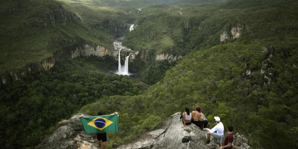 Deforestación y contaminación de las aguas amenazan el Amazonas, reconocen los brasileños