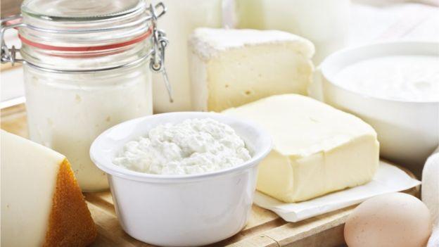 Consumir tres porciones de lácteos diario no es tan riesgoso para el corazón, indica estudio