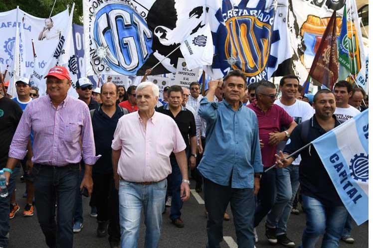 Central de trabajadores de Argentina encabezan paro de 36 horas: Transporte y servicios afectados