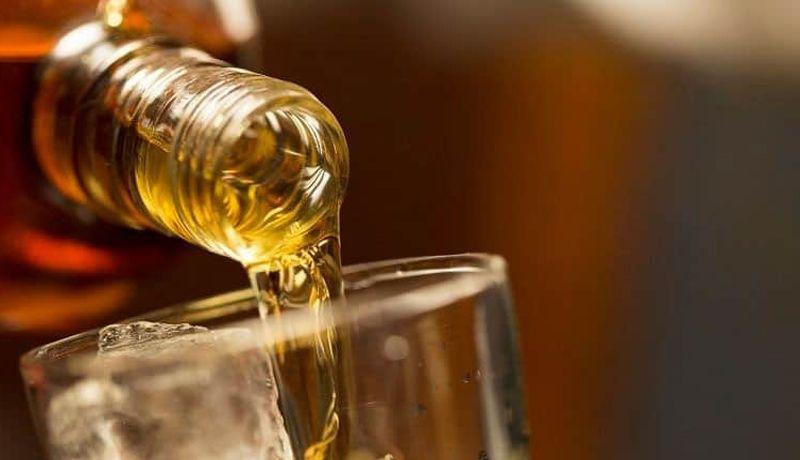 Un total de 21 personas mueren intoxicadas por consumir whisky en Malasia