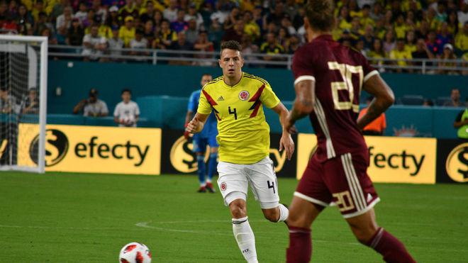 Colombia doblegó a Venezuela con un gol en el último minuto