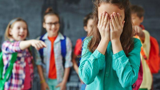 """(Video) Caso de """"bullying"""" en un colegio de Argentina causa indignación"""