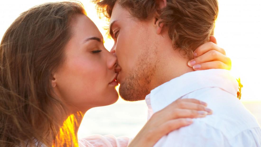 Conozca las razones por las que se debe besar más seguido