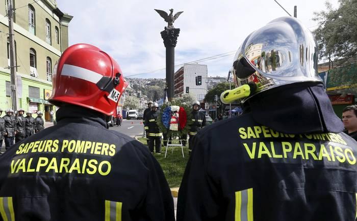 Valparaíso: Proponen que Bomberos se haga cargo de gestión de estacionamientos de la ciudad
