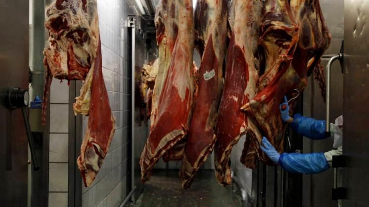 Productores de carne de Argentina extienden cese de venta interna hasta el miércoles